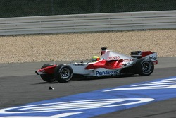 Ralf Schumacher goes back to track