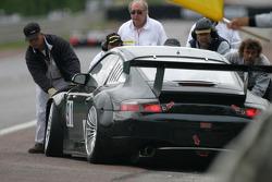#91 T2M Motorsport Porsche 911 GT3 RS: Xavier Pompidou, Jean-Luc Blanchemain, Yutaka Yamagishi in trouble on the Hunaudières straight