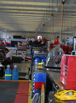 The garage empties out during qualifying