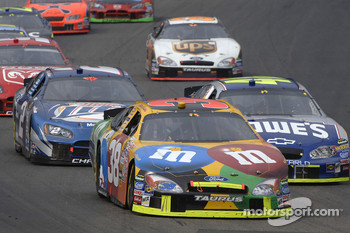 Elliott Sadler leads Jimmie Johnson and Rusty Wallace