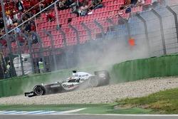 Juan Pablo Montoya crashes