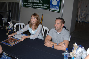 Autograph session: Greg Biffle