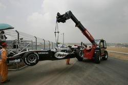 The McLaren of Pedro de la Rosa stopped on the track