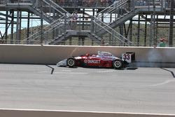 Ryan Briscoe hits the fourth corner wall