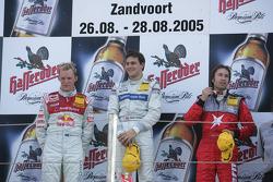 Podium: race winner Gary Paffett with Mattias Ekström and Heinz-Harald Frentzen