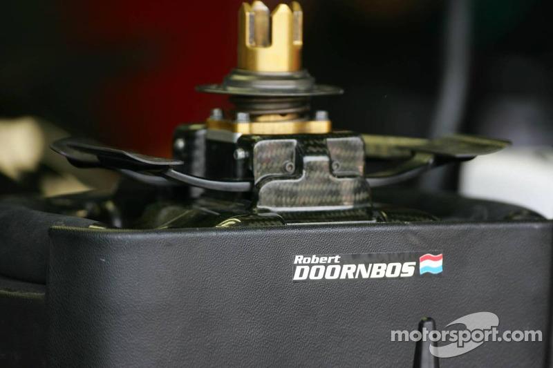 Steering wheel of Robert Doornbos