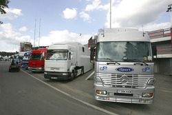 GP2 teams transporters