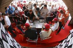 Autograph session: Nelson A. Piquet, Nico Rosberg, Mathias Lauda and Heikki Kovalainen