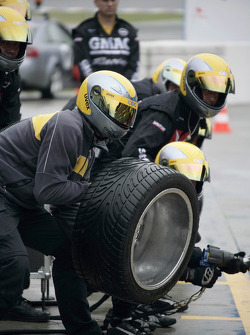 Pitstop practice at Team OPC