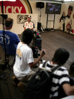 At home in Tokyo with Takuma Sato: press conference for Takuma Sato