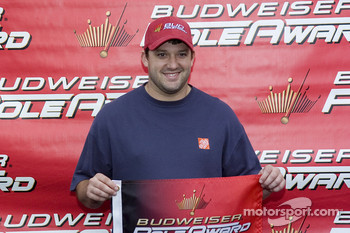 Tony Stewart wins the pole for Sunday's race