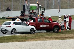 Jenson Button, McLaren MP4-30 stops on the circuit