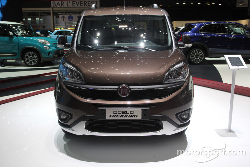fiat doblo trekking at geneva international auto show. Black Bedroom Furniture Sets. Home Design Ideas