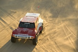 Team Gordon: Robby Gordon tests the Hummer H3 Race Truck