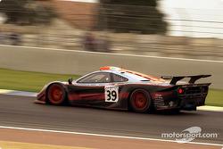 #39 Gulf Team Davidoff McLaren F1 GTR BMW: Ray Bellm, Andrew Gilbert-Scott, Masanori Sekiya