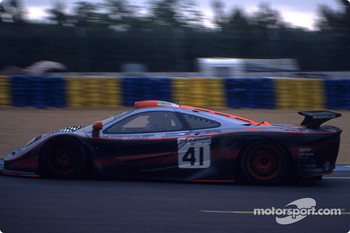 #41 Gulf Team Davidoff McLaren F1 GTR BMW: Pierre-Henri Raphanel, Jean-Marc Gounon, Anders Olofsson
