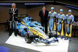 Flavio Briatore, Patrick Faure, Fernando Alonso, Heikki Kovalainen and Giancarlo Fisichella