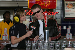 Budweiser Bistro event: Dale Earnhardt Jr. prepares glasses of beer
