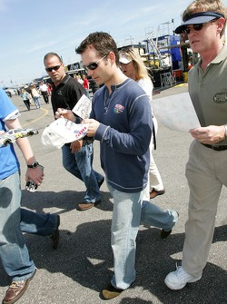 Jeff Gordon signs autographs