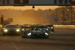 Restart: #2 Audi Sport North America Audi R10 TDI Power: Rinaldo Capello, Tom Kristensen, Allan McNish leads the field
