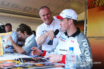 Autograph session for Ralf Schumacher