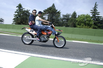 Vitantonio Liuzzi with race engineer Riccardo Adami on his KTM