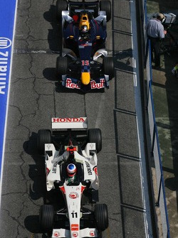 Rubens Barrichello leads Christian Klien