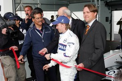 Visit of BMW Sauber F1 team Pitlane Park: Dr. Mario Theissen and Nick Heidfeld