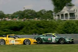 #009 Aston Martin Racing Aston Martin DB9: Pedro Lamy, Stéphane Sarrazin and #4 Corvette Racing Corvette C6-R: Oliver Gavin, Olivier Beretta collide