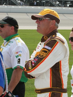 Dale Jarrett watches qualifying