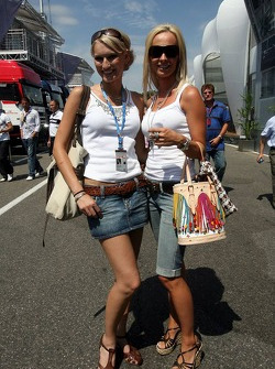 Sine Beckmann and Cora Schumacher