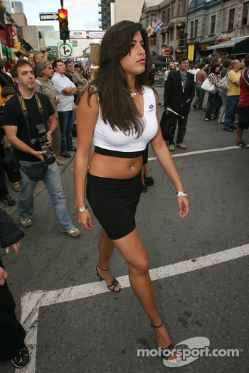 Ford Racing Festival on Crescent street: a Ford Racing girl