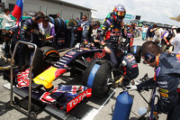 Daniil Kvyat, Red Bull Racing RB11 on the grid