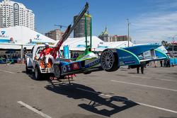 The car of Vitantonio Liuzzi, Trulli is returned to the paddock