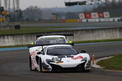 #54 Attempto Racing McLaren 650 S GT3: Philipp Wlazik, Yoshiharu Mori