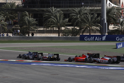 Julian Leal, Carlin and Mitch Evans, RUSSIAN TIME and Rio Haryanto, Campos Racing at the start