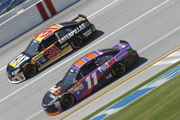 Ryan Newman, Richard Childress Racing Chevrolet and Denny Hamlin, Joe Gibbs Racing Toyota