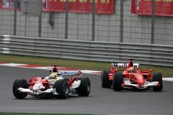 Ralf Schumacher leads Felipe Massa