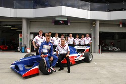 Team photo: Nicolas Lapierre and A1Team France