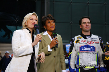 Diane Sawyer and Robin Roberts interview Jimmie Johnson on