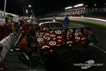 Pitstop for #01 TELMEX Chip Ganassi with Felix Sabates Lexus Riley: Scott Pruett, Salvador Duran, Juan Pablo Montoya