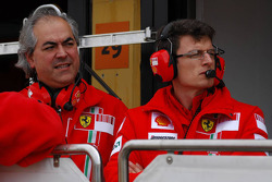 Luigi Mazzola Scuderia Ferrari, Test Team Manager, and Chris Dyer, Scuderia Ferrari, Race Engineer