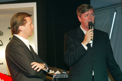 Spyker Cars CEO Victor Mulller talks about the new car with Michiel Mol