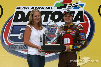 Pole winner David Gilliland celebrates with wife Michelle