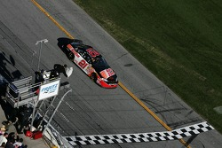 Kevin Harvick takes the white flag