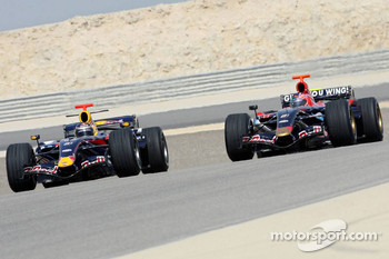 Red Bull Racing and Scuderia Toro Rosso photoshoot: Mark Webber and Vitantonio Liuzzi