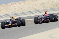 Red Bull Racing and Scuderia Toro Rosso photoshoot: Mark Webber and Vitantonio Liuzzi