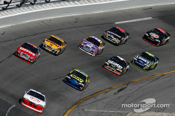 Kasey Kahne leads a group of cars
