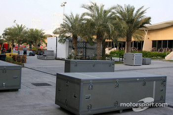 The end of testing in Bahrain as the teams pack away