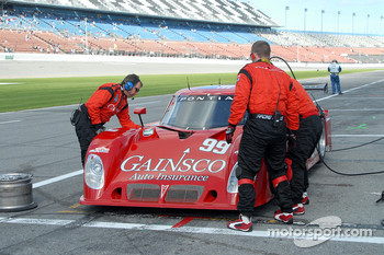 Unscheduled pitstop for #99 Gainsco Bob Stallings Racing Pontiac Riley
